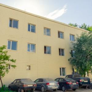 Общежитие для рабочих парковка
